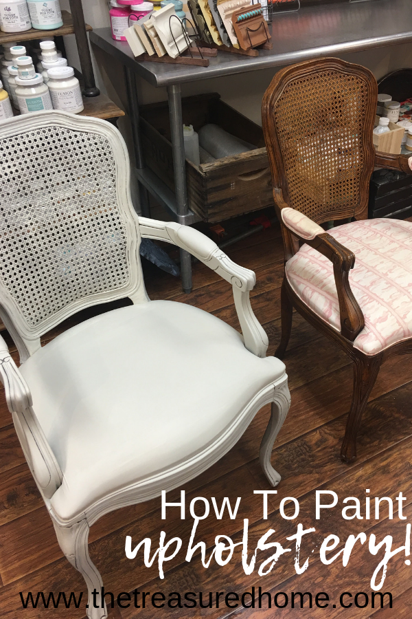 Learn how to paint upholstery using Fusion Mineral Paint. #thetreasuredhome #fusionmineralpaint #learntopaintupholstery #paintedupholstery #paintedfurniture